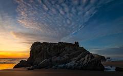 Sunset Watching (Manuela Durson) Tags: oregon oregoncoast landscape seascape sunset clouds cloudscape nature beach pacificnorthwest