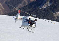 IMG_3663 (Tipps38) Tags: hélicoptère aviation photographie montagne alpes avion courchevel neige helicopter 2019 planespotting