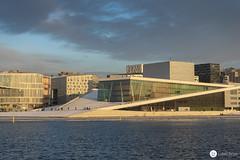 Opera - Oslo (lukas.zelek) Tags: oslo opera opernhaus norway wasser water architecture architektur hafen harbour sunset sonnenuntergang bewölkt cloudy