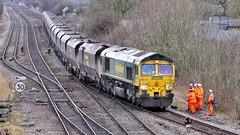 Steel Coal Empties (JohnGreyTurner) Tags: br rail uk railway train transport 66 class66 diesel engine locomotive lincolnshire freight hoppers fl freightliner shed brocklesby