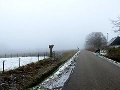 's Heerenhoek (Omroep Zeeland) Tags: mist sneeuw de polder