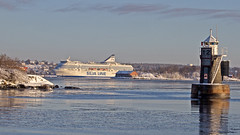 The ferry Silja Serenade arriving in Stockholm (Franz Airiman) Tags: stockholm sweden scandinavia snö snow ice is winter vinter båt boat ship fartyg blockhusudden fyr lighthouse ängsholmen