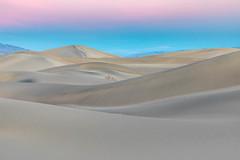 Crescendo (Kirk Lougheed) Tags: beltofvenus california deathvalley deathvalleynationalpark earthshadow mesquitedunes mesquiteflat usa unitedstates dune landscape nationalpark outdoor park sand sanddune