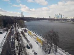 IMG_20190306_143836_HHT (Бесплатный фотобанк) Tags: россия москва канатнаядорога зима облака москварека воробьевская набережная москвасити