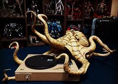 octopus polvo (miguel kibagami) Tags: art artist kaixiangzhong xiang zhong papercraft cardboard plastic arte china chinese origami