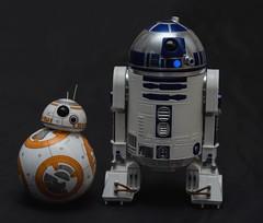 BB-8 y R2D2 (Carlos Javier Pérez) Tags: bb8 r2d2 drones starwars sfero toys juguetes fan
