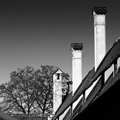 chimneys (++sepp++) Tags: augsburg fuggerei stadt kamine chimneys schornsteine bayern bavaria germany deutschland city architektur architecture bw blackwhite monochrom einfarbig sw schwarzweis