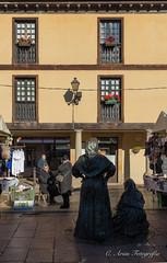 Vendedoras (mcarmenag) Tags: asturias ciudad fontán invierno navidad oviedo