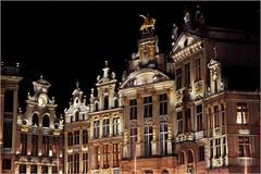 Grand Place entre la rue Charles Buls et la rue des Chapeliers (sud), Bruxelles, Belgium (claude lina) Tags: claudelina belgium belgique belgië bruxelles brussels immeubles buildings architecture grandplacedebruxelles