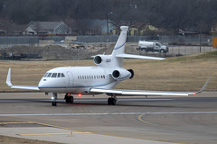 Dassault Falcon 900EX (DPhelps) Tags: kdal dal dallaslovefield texas airport aircraft airplane plane jet airliner turboprop overcast n304k f900 falcon bizjet