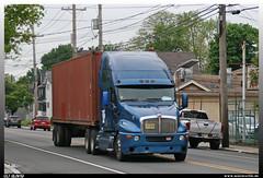 """Kenworth T2000 """"Hillside Warehouse & Trucking"""" (uslovig) Tags: t2000 t 2000 container trailer auflieger hillside warehouse trucking kenworth kw usa amerika america conventional hauber truck lkw lastwagen lastkraftwagen lorry camion camiones"""