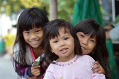 pretty sisters (the foreign photographer - ฝรั่งถ่) Tags: three pretty sister khlong lat phrao portraits bangkhen bangkok thailand nikon d3200 happyplanet asiafavorites