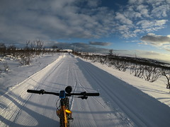 A wonderful winter (GeirB,) Tags: varanger vadsø vadsoe vadso østfinnmark outdoor finnmark friskifinnmark fun fatbike craft clouds sweethelmet snow shimano snø sykkeltur sram nx swix northernnorway norway garmin stisykling sun sol uteliv liveterbestute fattie tjukksykkel lysløype skispor sykkelsport vintersykling winter winterwonderland winterbike circogigantexl 26x48 wtb arctic training trening 70north february gopro hero6