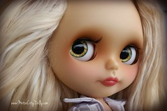 Holly (Motor City Dolly) Tags: custom ooak blythe doll motor city dolly coedependent sandra coe alpaca blonde translucent