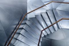 Subes? Bajas? (Amparo Hervella) Tags: madrid españa spain caixaforum escalera geometría arquitectura d7000 nikon nikond7000