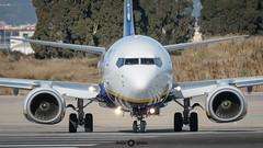 (Once Photo) Tags: boeing spotting spotter ryanair 737 max takeoff lebl bcn plane avion pista despegue pilot piloto crew tripulacion flaps winglet avporn avgeek planeslove boeinglovers