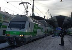 VR Finnish Railways Class Sr2 electric loco No.3211 with Joensuu train at Helsinki Station on 14 Feb 2019 (Trains and trams eveywhere) Tags: sr2 electric locomotive finnishstaterailways finland railways finnish swiss trains valtionrautatiet helsinki