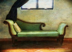 """""""Fainting Sofa,"""" Turks&Caicos (augenbrauns) Tags: faintingsofa couch sofa mobiography iphoneography iphonesxmax theappwhisperer distressedfx turkscaicos green exoticimage artdigital"""