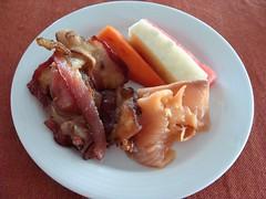 Bacon and Smoked Salmon (knightbefore_99) Tags: mexico mexican oaxaca desayuno breakfast art food huatulco tasty best delicious surf turf bacon smoked salmon papaya jicama