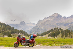 Pirineos (DOCESMAN) Tags: moto bike motor motorcycle motorrad motorcykel moottoripyörä motorkerékpár motocykel mototsikl honda nt700v ntv700 deauville docesman danidoces pirineos pyrenees montaña mountain landscape paisaje
