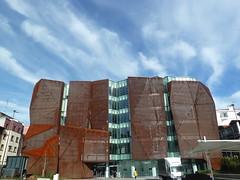Nubes rasgadas en la nueva casa de la Cultura de Romo (eitb.eus) Tags: eitbcom 14179 g1 tiemponaturaleza tiempon2019 paisajes bizkaia getxo mikelotxoa