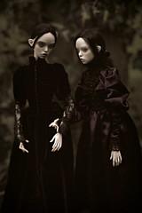dark garden (dolls of milena) Tags: bjd resin doll popovy sisters twins peewit portrait dark retro victorian outdoor