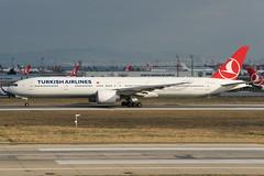 Turkish Airlines B777-300ER TC-LJI (altinomh) Tags: turkish airlines b777300er tclji tk boeing b777