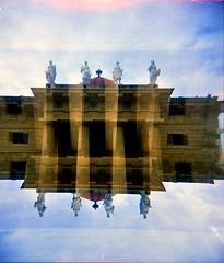 [Holga e le Sue Sorelle]  Teatro Massimo (Urca) Tags: holgalomo3201809250009plaermo italia 2018 palermo teatromassimo holga lomo doppiaesposizione doubleexposure analog analogico 120 6x6 square medium multi film filmisnotdead toycamera