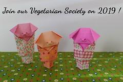 Little Pigs wearing a kimono de Viviane Berty 2019 (Viviane des Papiers) Tags: pig cochon origami vivianeberty vegetarian