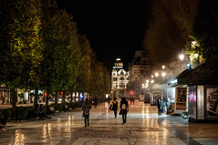 Paseo nocturno (ccc.39) Tags: asturias oviedo noche nocturno paseo calle ciudad urbano gente night city town street