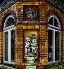 Brick Glass Sculpture (LeWelsch Photo) Tags: brick glass sculpture hdr urbex urbexing window eigerplatz bern switzerland rx100m3 rx100iii lewelsch lewelschphoto swissphotographers