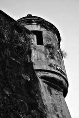 La Garita (Carlos A. Aviles) Tags: blackandwhite blancoynegro monochrome oldsanjuan garita sentrybox sony a6000 arquitectura architecture