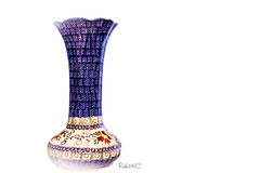 Polish Pottery (Rohit KC Photography) Tags: polish pottery polishpottery vase emptyvase edited blue beautiful simple neat clean minimum white subject hazed canon usa unitedstatesofamerica fun photography photo photograph hobby amateur homeshoot home backgroundlesscanon 5d mark iicanon dslr camera