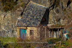 Andorra rural history, Encamp, Vall d'Orient, Andorra (lutzmeyer) Tags: 500mmcrop albergmariateresacalgaucasachoulesbons andorra canoneos7dmarkii carrerdesantromalesbons encamp encampparroquia europe garten iberia iberianpeninsula lesbons lutzmeyer pirineos pirineus pyrenees pyrenäen valldorient alteshaus antic bild december desembre dezember diciembre dorf foto fotografie garden geschichte historia historie historisch history hivern horta iberischehalbinsel image imagen imatge invierno lutzlutzmeyercom oldhouse past photo photography picture poble pueblo rural sonnenaufgang sortidadelsol sunrise vallorient village winter encampvalldorient