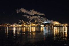 Industrial Winter Night (Bo Ragnarsson) Tags: industrial night winternight shore shoreline mill smoke boragnarsson