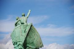 SEBP8445 (Sebastien Beaudet) Tags: marseille landscape paysage cityscape ville city bateau nuage statue vert bleu naufrage merdenuages