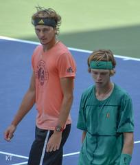 Sascha Zverev & Andrey Rublev (Carine06) Tags: tennis usopen 2018 flushingmeadows corona newyork practice kt20180826289 saschazverev alexanderzverev andreyrublev louisarmstrongstadium