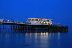 2018_05_06_0255 (EJ Bergin) Tags: sussex westsussex landscape worthing sunset beach sea seaside worthingpier seafront bluehour southernpavillion