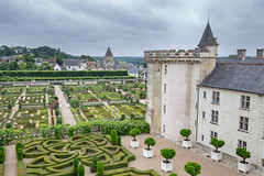 Église Saint-Etienne and gardens of Villandry (pxls.jpg) Tags: canon6d ef1635mmf4 villandry indreetloire france fr