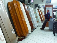 Which one? - Huaraz- Callejón de Huaylas - Perú (Lewitus) Tags: huaraz callejóndehuaylas coffins