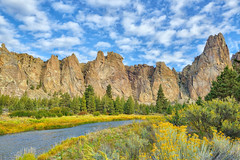 Autumn at Smith Rock (Phil's Pixels) Tags: crookedriver smithrock fall fallfoliage autumn river geology smithrockstatepark terreton oregon
