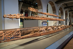 New Guinea carvings of strange boatmen (quinet) Tags: 2017 amsterdam antik netherlands schnitzerei tropenmuseum ancien antique carving museum musée sculpture
