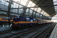 Railexperts 1251 te Amsterdam Centraal (vos.nathan) Tags: rxp railexperts 1200 1251 ig schienenverkehr ostfriesland igso amsterdam centraal asd