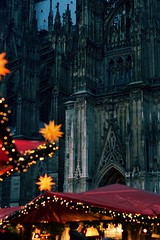 Happy Holidays to you all <3 (claudia 222) Tags: weihnachtsmarkt köln glühwein 50mm noctilux dom christmas market happyholidays night dark star
