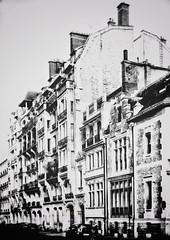 Rue Jacques Bingen (marc.barrot) Tags: urbanlandscape bw monochrome batignolles france paris 75017 ruejacquesbingen shotoniphone