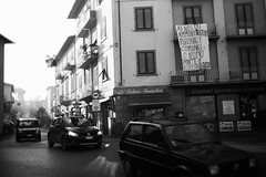 L1045670 (Daniele Pisani) Tags: lenzuola signa protesta smog traffico code file lastra nebbia fuomo fumo strada