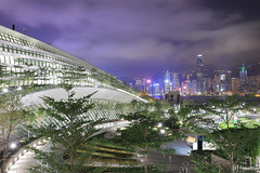 "Hong Kong West Kowloon Station ""Green Plaza"" (tomosang R32m) Tags: 西九龍高鐵站 天空走廊 維港夜景 西九龍 港鐵 柯士甸站 觀景台 尖沙咀 中環 綠化空間 緑化空間 西九龍駅 展望台 hongkongwestkowloonstation greenplaza highspeedrail station hongkong westkowloon train tsimshatsui central victoriaharbour architecture 維多利亞港 夜景 yakei night 香港 九龍 kowloon austin"