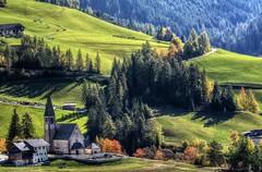 Pascoli (giannipiras555) Tags: trentino nikon collina chiesa verde alberi natura autunno landscape panorama paesaggio dolomiti