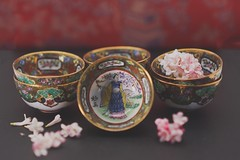 Pretty Little Things (tanyalinskey) Tags: art painted sakura oriental flowers blossom miniature tiny vintage antique old chineseexport bowls