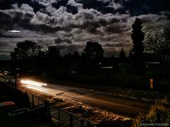 PLWZ0872L (lutz_Wz) Tags: outdoor nacht mond flugzeug auto wolken leuchten berlin